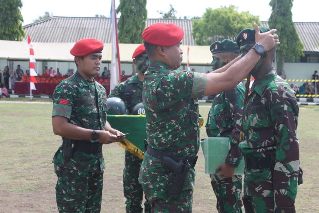 Kasrem 071/Wijayakusuma Sematkan Baret dan Brevet Raider Pada Penutupan Latihan Raider TNI AD Gelombang III TA. 2019