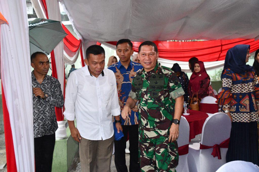 Danrem 074/Warastratama Hadiri Open House Perayaan Natal di Rumdis Walikota Surakarta