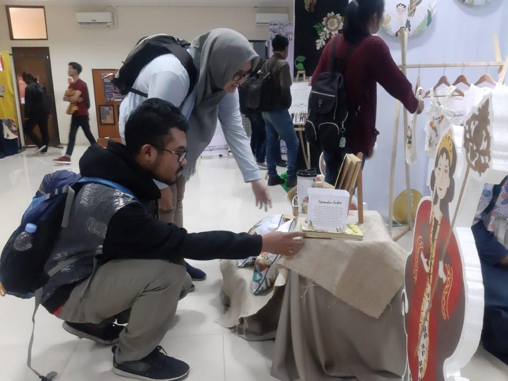 Pameran Rolas Mentas , Mahasiswa TA Prodi DKV FSRD ISI Surakarta Angkat Tema Visual Branding Potensi dan Produk Lokal