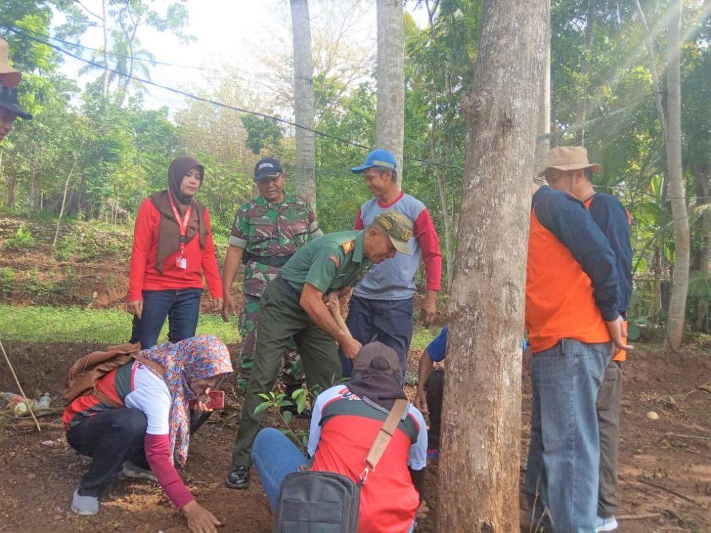 Danramil Wuryantoro Bersama Penggiat Pecinta Lingkungan Tanam Ratusan Bibit Pohon, Ini Tujuan nya