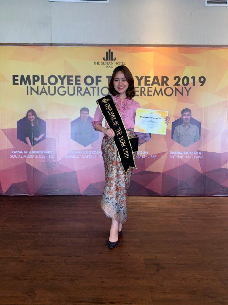 RASYA ARDANNARY, BEST EMPLOYEE OF THE YEAR 2019