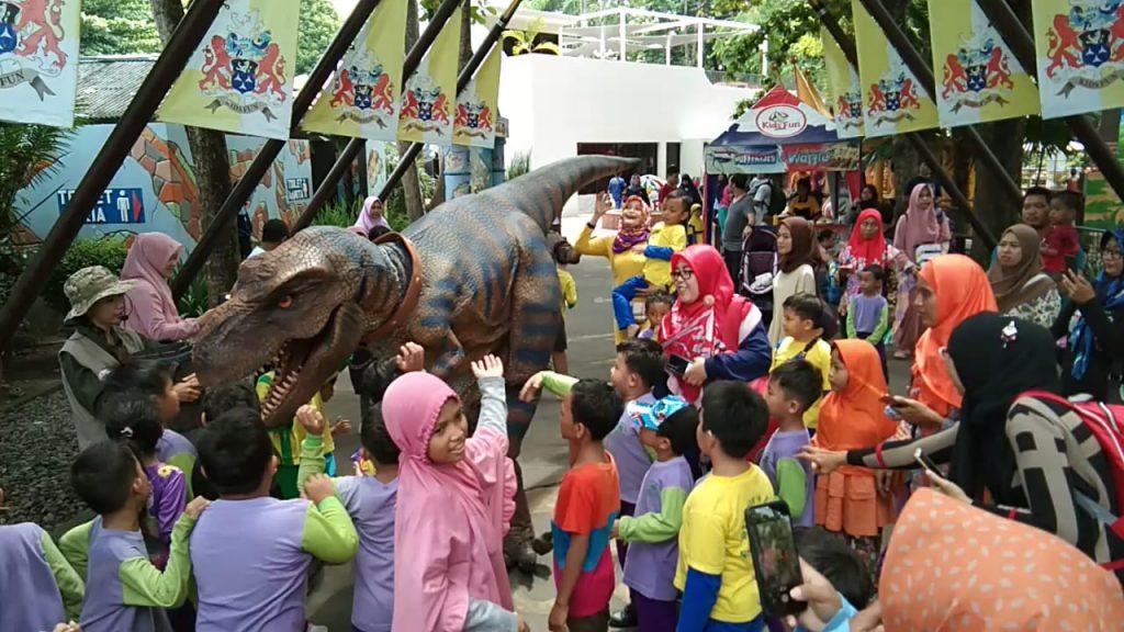 Keluarga Besar KB TK Surya Mentari Solo dalam Karya Wisata Kunjungi Obyek Wisata KidsFun Yogyakarta