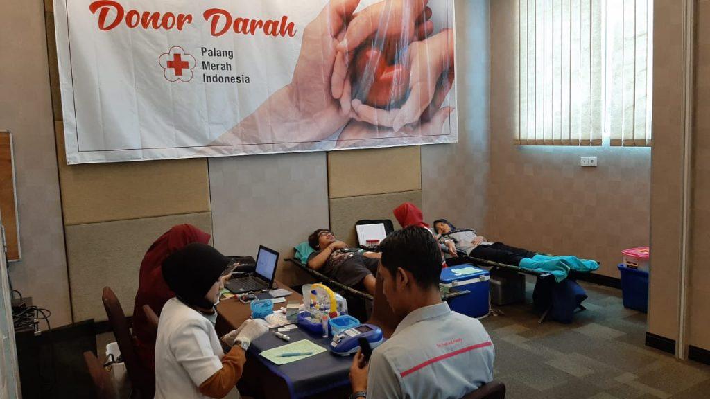 Peringati hari valentine, favehotel Solo adakan aksi donor darah