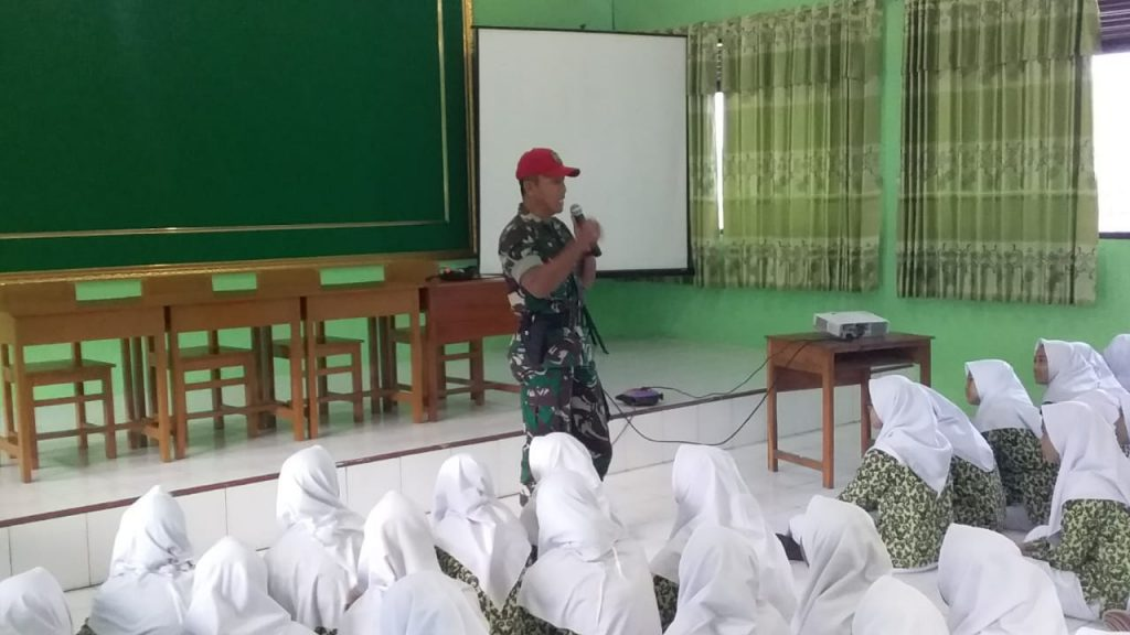 276 Siswa SMAN 1 Jatisrono Mendapat Pembekalan Wasbang Dari Koramil 14/Jatisrono