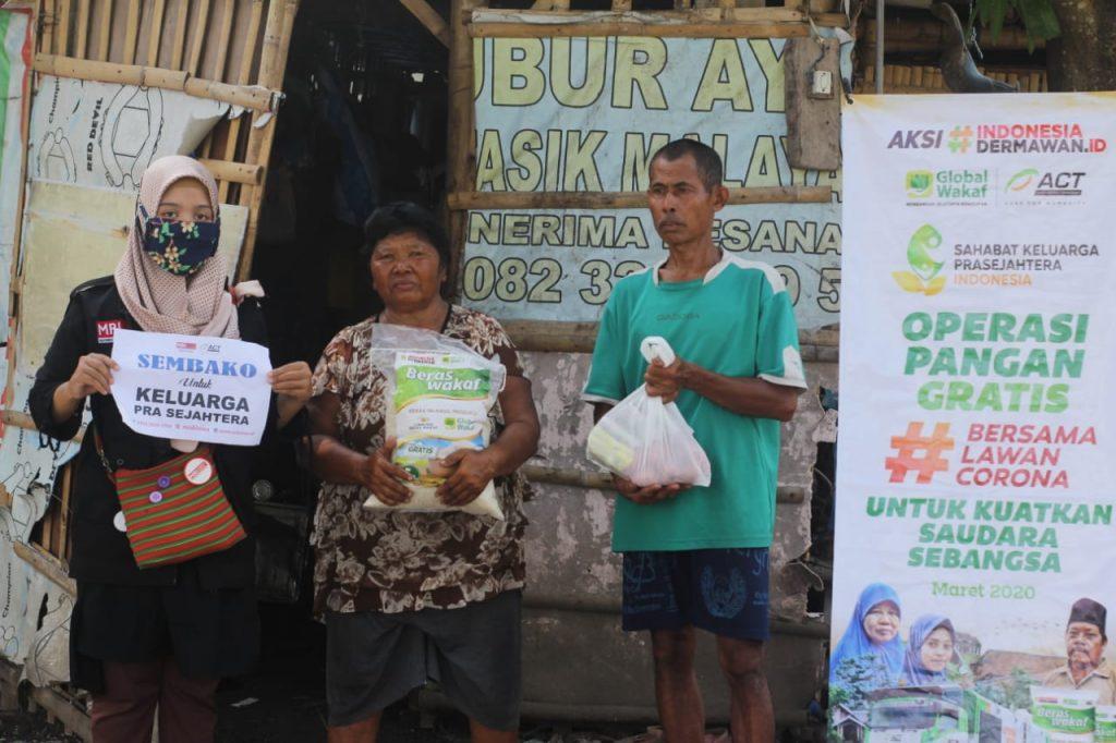 ACT Solo Salurkan Bantuan Beras Untuk Keluarga Prasejahtera di Klaten