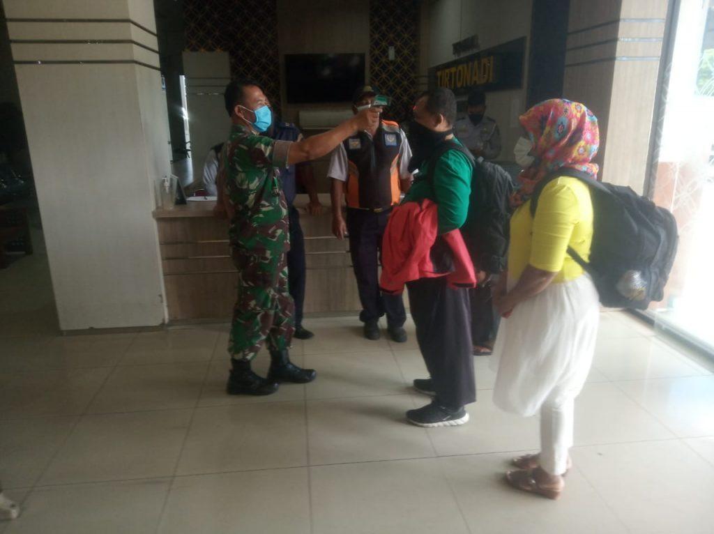 Kapten Inf Narno, Minta Masyarakat Ikuti Anjuran Cegah Covid – 19
