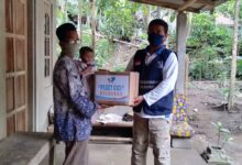 Photo of Kekurangan Gizi Ringan, SOLOPEDULI Berikan Paket Gizi Keluarga Untuk Balita di Klaten