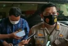 Photo of Aksi Koboi Di Solo , Mobil Alpard Ditembaki 8 Lubang.